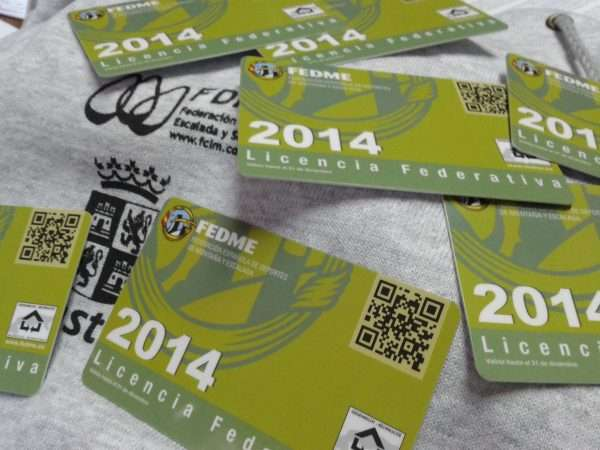 Instantes previos al sorteo de #UnRegaloenlaMochila en el Rocódromo Álvaro Paredes Izquierdo