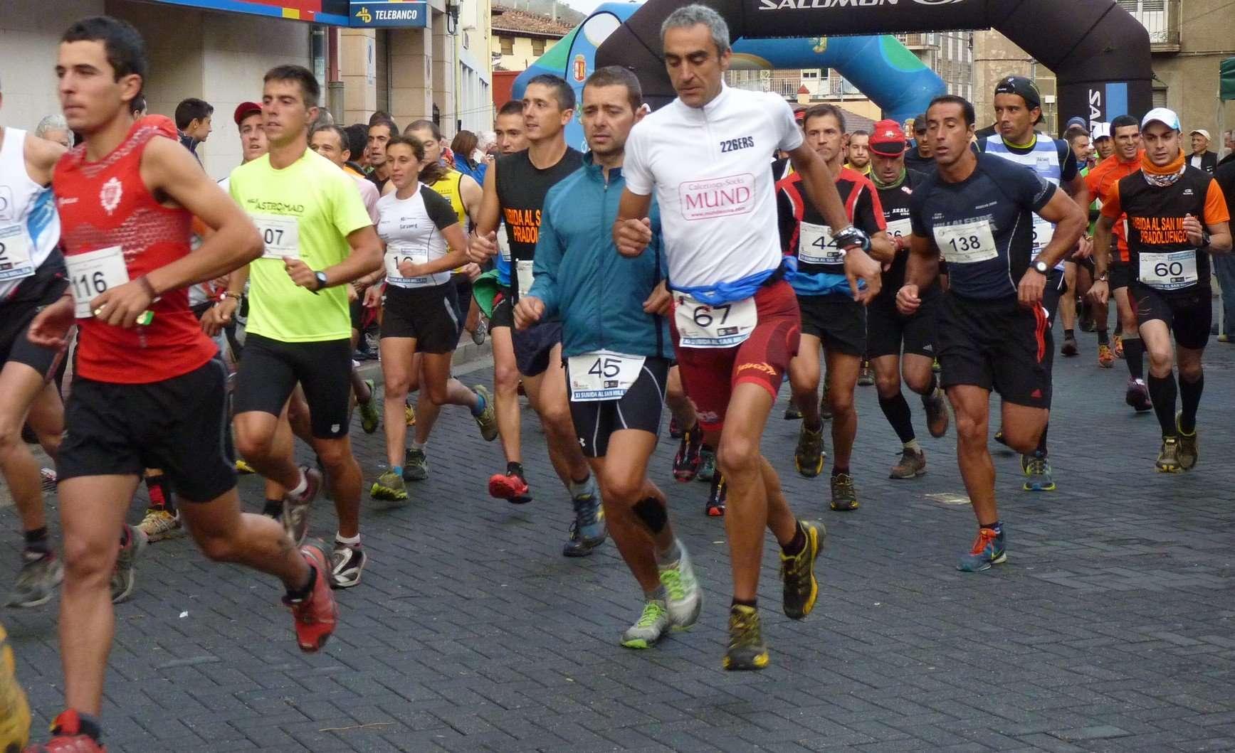Salida de la carrera por montaña Subida al San Millán, en 2013. /Montañeros Pradoluengo
