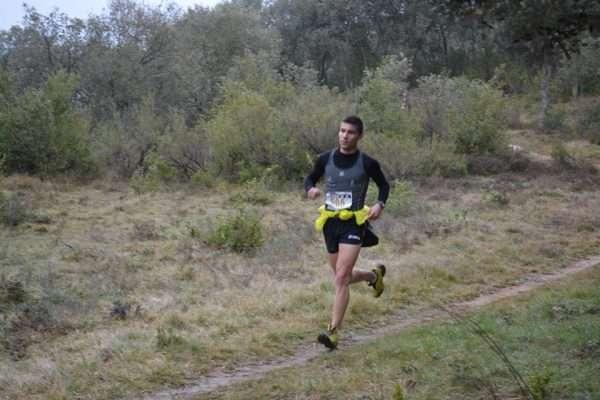 Un corredor de la selección junior Fdmescyl, en la Carrera por Montaña de Miranda de Ebro. /FDMESCYL