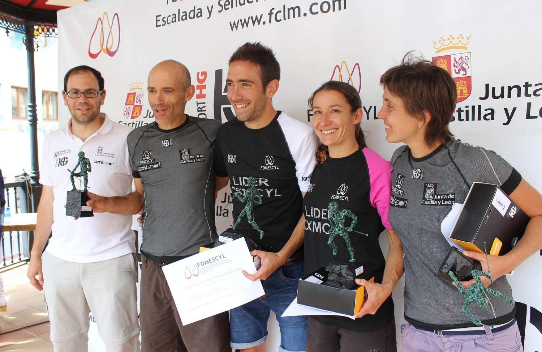 Podio de honor de la IX Copa Sport HG de Carreras por Montaña 2014. /FDMESCYL