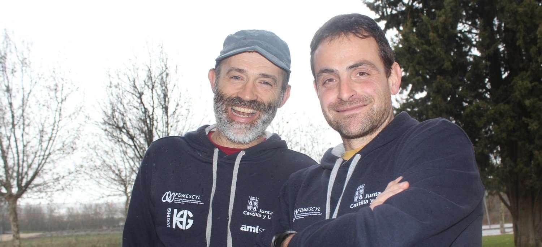 Los seleccionadores del equipo de carreras por montaña de Castilla y León, Quico Arribas y Toño Vinagrero. /FCLM