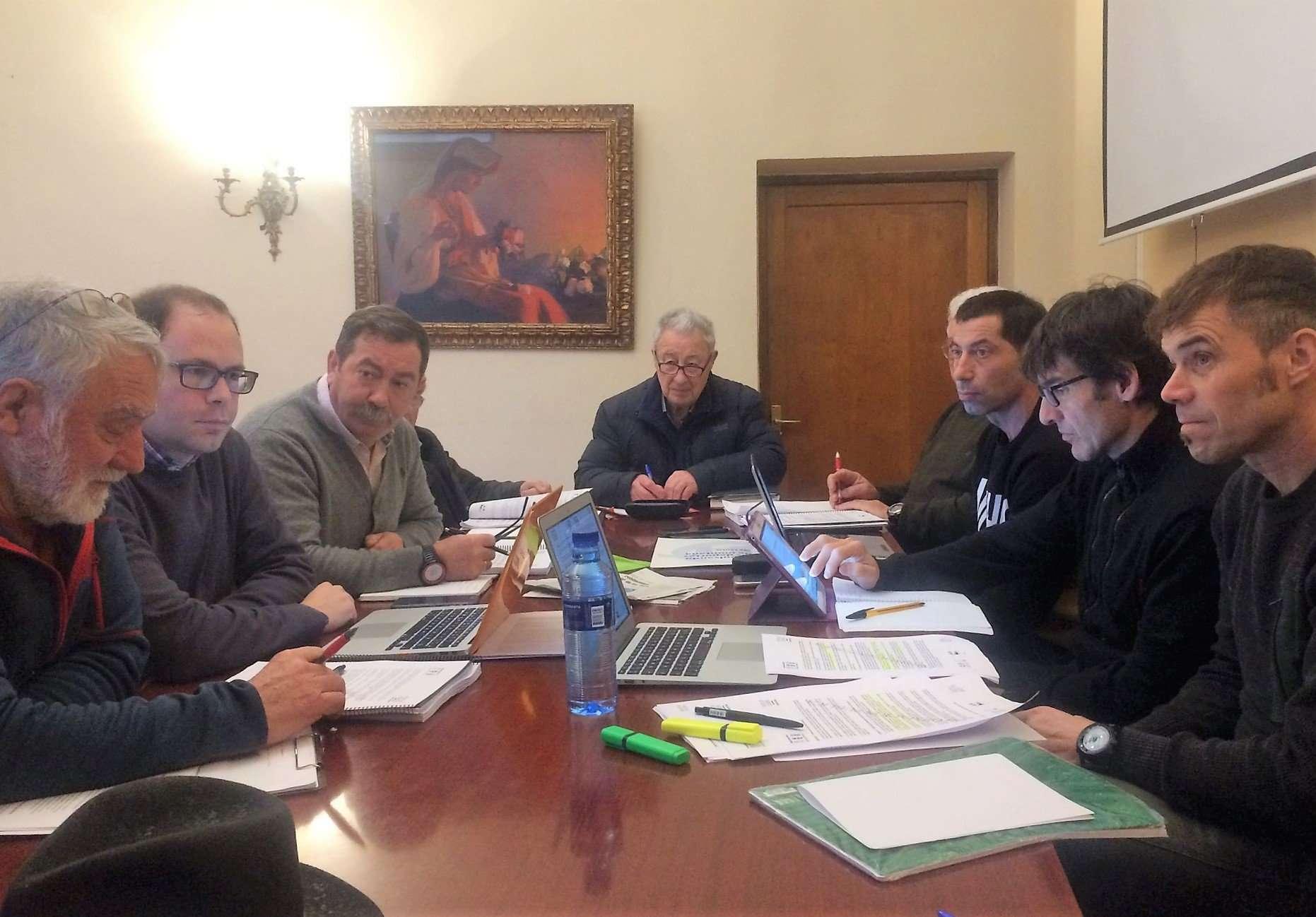 Las federaciones de montaña definen su posición sobre el plan rector de Picos de Europa