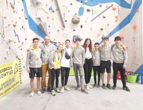 Iziar Martínez y Víctor López, campeones de España de escalada en bloque